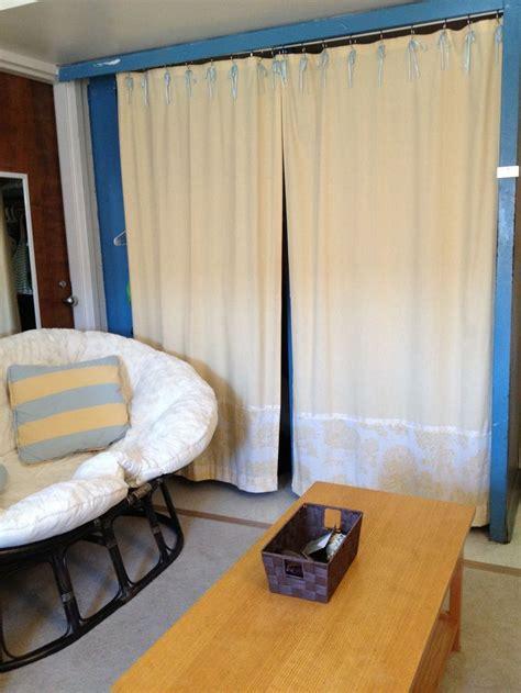 curtains for college dorm 1000 ideas about dorm room closet on pinterest dorm