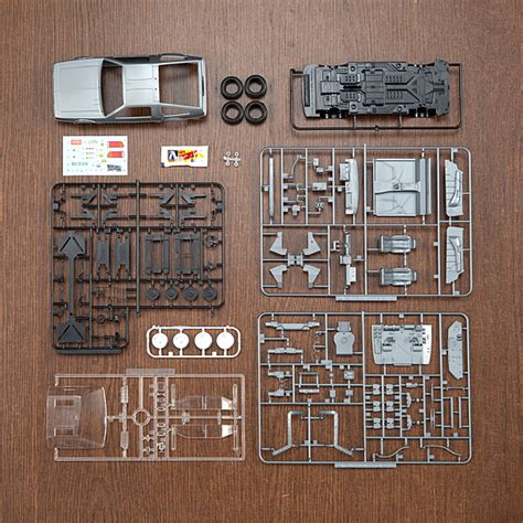 back to the future part ii 1 24 delorean scale model kit