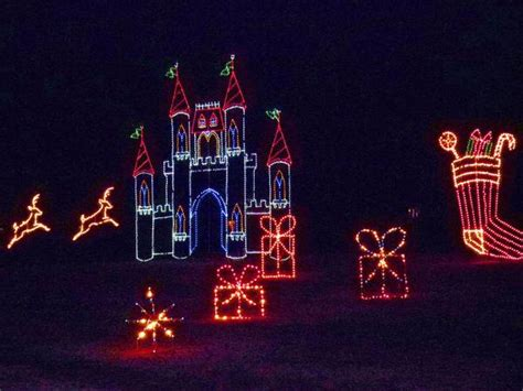 newport news lights celebration in lights brightens newport news park