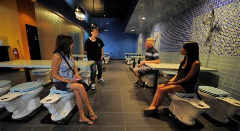 us toilet restaurant borrows from taiwan rides
