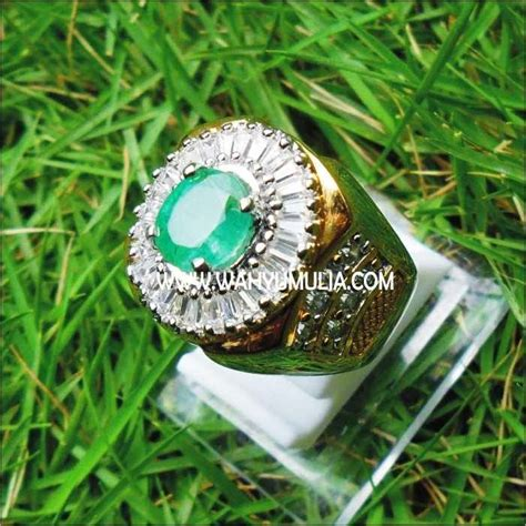 Batu Mulia Permata Jamrud Zamrud Emeral Emerald Beril Beryl batu permata green emerald beryl sold toko batu permata jual batu akik cincin mulia