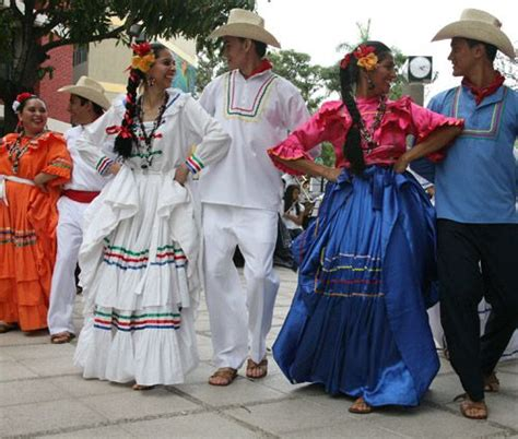 Honduras Culture Essay by Honduras Culture Clothing Www Pixshark Images Galleries With A Bite