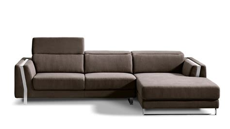 brown xavier sectional sofa zuri furniture - Zuri Furniture