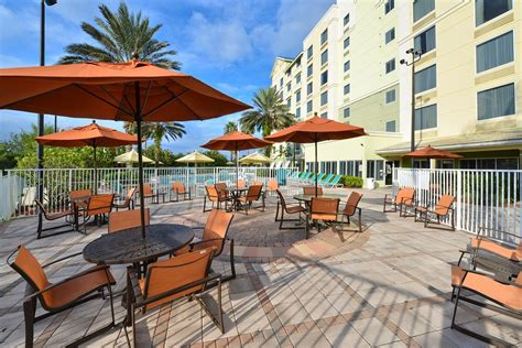 book comfort suites maingate east kissimmee florida