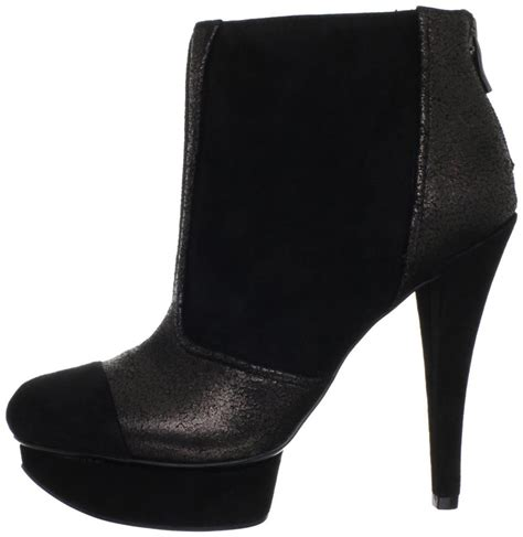 s bcbg bcbgeneration chazz ankle boots booties