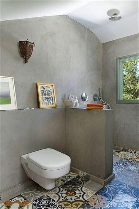 Bien Peindre Des Carreaux De Salle De Bain #1: salle-de-bain-sous-pente-en-carreaux-de-ciment.jpg