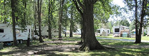 Cgrounds In Illinois With Cabins by Family Cgrounds Rv Park Lake Shelbyville Illinois