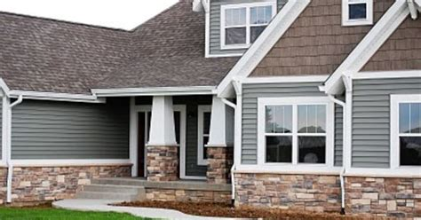 rock pattern vinyl siding i like the combination of stone siding and shakes the