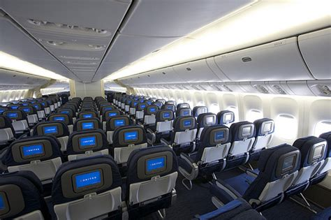 United Airlines 757 Interior by 5125929407 F482013620 Z Jpg