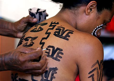 papua new guinea tattoo designs miss traditional contest in papua new guinea