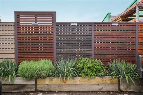 Garden Fencing Ideas Do Yourself Garden Fencing Ideas Do Yourself Keysindy