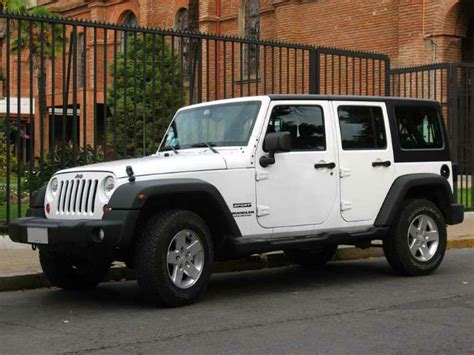 2016 Jeep Wrangler Unlimited Sahara Automatic White Color