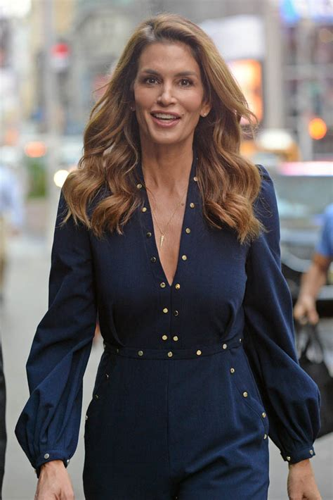 cindy crawford promoting her new book becoming lainey gossip entertainment update
