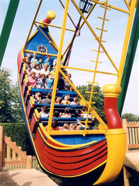 boat swing ride pirate ship swingboat in paultons leisure park rides