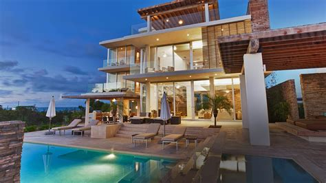 luxury home stuff where do millionaires live in canada modern