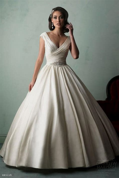 huge ball gown wedding dresses with sleeves World dresses