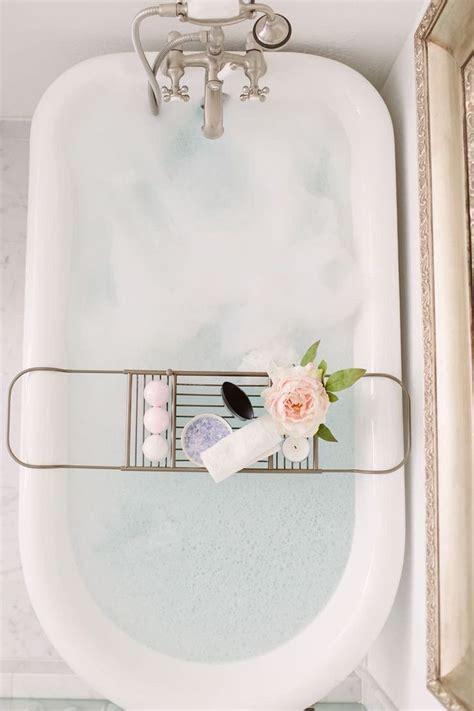 Bubbles In Foot Detox by Best 25 Foot Baths Ideas On Detox Foot