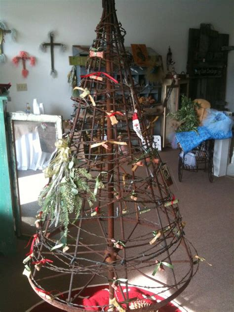 what to use instead of a christmas tree wire fence barbed wire and wire on