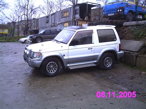 mitsubishi pajero old model new mitsubishi pajero for sale html autos weblog
