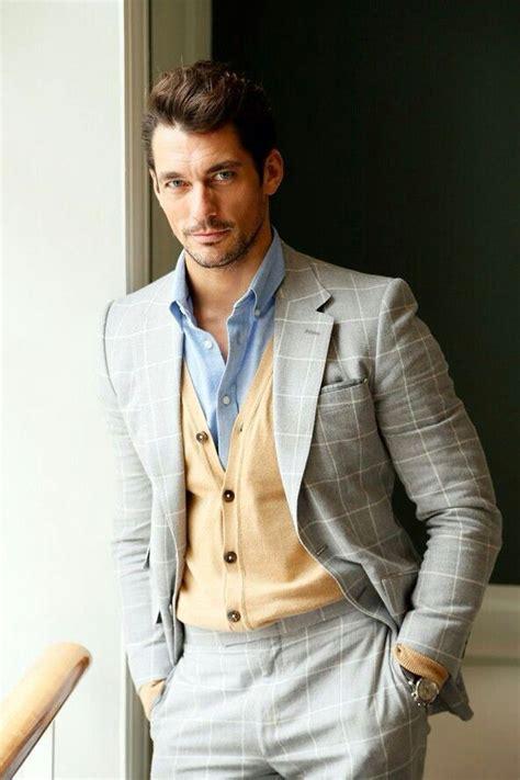 Jp Calista Grey Blue 冬のスーツスタイルをアレンジ スーツ 215 カーディガン の着こなし特集 メンズファッション研究所 2ページ