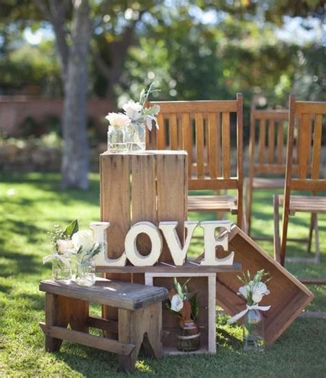 Creative Backyard Wedding Decorations Happywedd Com Backyard Wedding Centerpiece Ideas