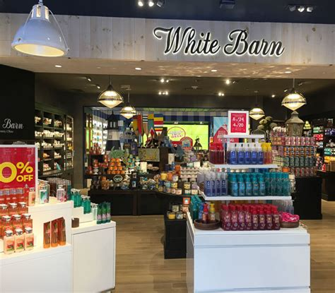 White Barn Candle Tuttle Mall by Bath Works Opens In Broadway Plaza Beyond The Creek