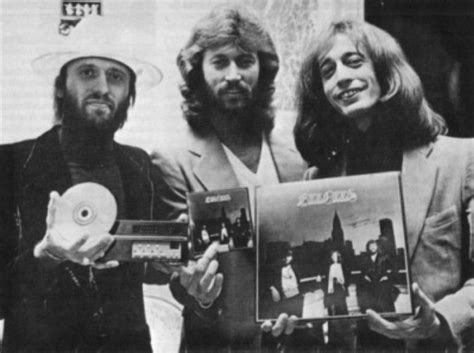 Cd Beegees Nostalgia 3 Disc 428 best images about brothers gibb andy barry robin