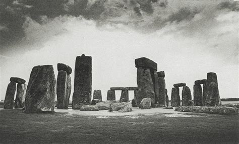 stonehenge construction when was stonehenge built and by who