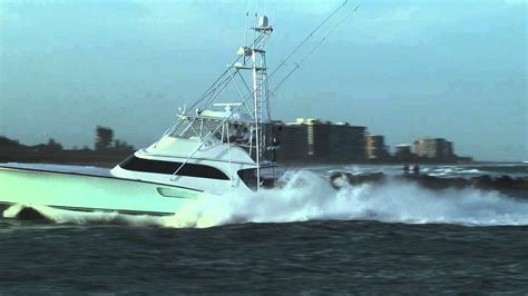 sport fishing boat in rough seas sport fishing boat running hard 01122013 1 youtube