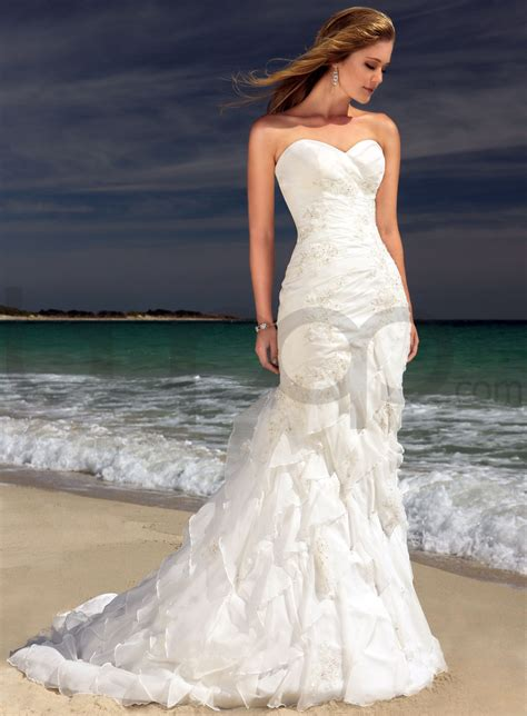 strapless sweetheart mermaid wedding dress with