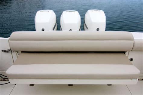 siege strapontin bateau boston whaler 380 outrage un fishing qui convient aux