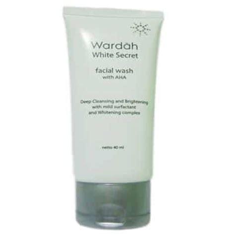 Wardah Wash 7 produk wardah untuk menghilangkan bekas jerawat