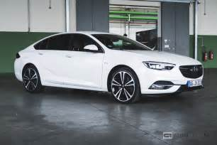 Opel Insignia Sports Rijtest En Opel Insignia Grand Sport 2017 Autoblog Nl