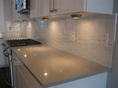 Glass Backsplashes For Kitchens Pictures by Glass Tiles For Kitchen Backsplashes Pictures