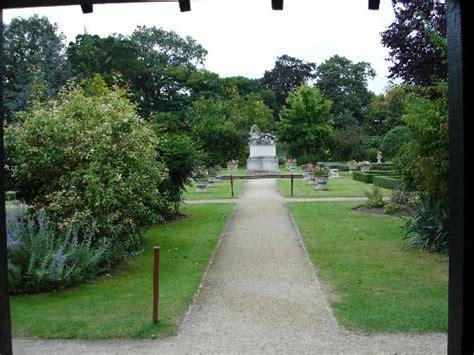 entrance gate at back of garden picture of sunbury park