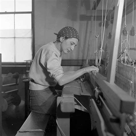 albers shop anni albers picking up the thread by andrew dickson