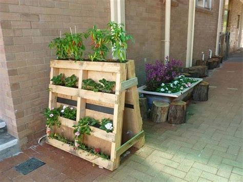 upcycled wood pallet planters upcycle