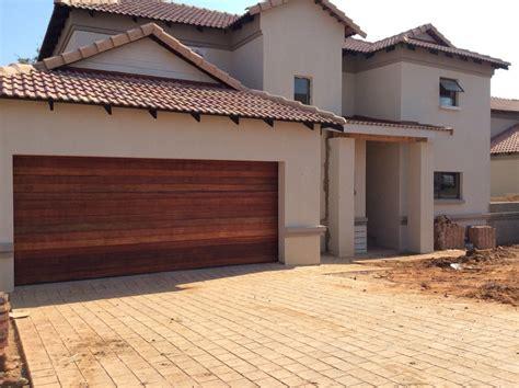 Wooden Garage Doors Pretoria Garage Doors In Pretoria Wageuzi