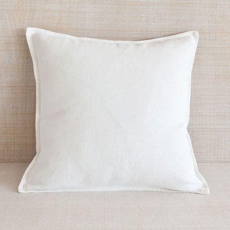 almohadas zara coj 237 n doble pespunte blanco roto zara home pinterest