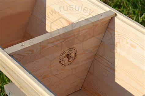 Top Bar Hive Roof by Foundationless Hives Top Bar Hive With Gable Roof