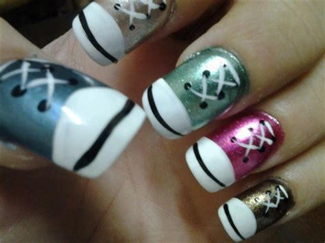 easy nail art converse converse tennis shoe nails nail art gallery