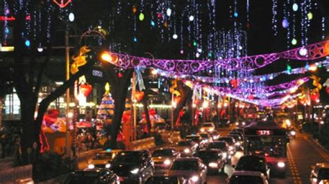 what to do during new year in singapore singapore lights up for shoppers