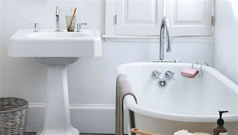 home remedies for bathroom cleaning φτιάξτε το τέλειο καθαριστικό μπάνιου με 2 υλικά από την