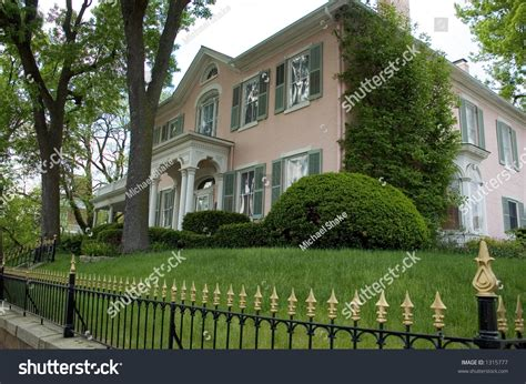 housebeautiful com namethiscolor interesting color of pink on this house beautiful wrought