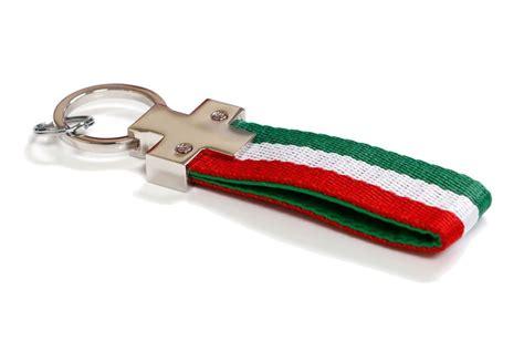 Porte Cl茫模 Alfa Romeo Achetez En Gros Lamborghini Drapeaux En Ligne 224 Des