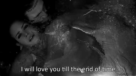 Underwater Bathtub Girls Heart Break Drowning Gif Wifflegif