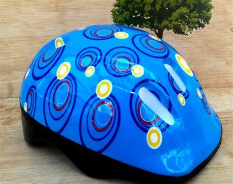 Helm Sepatu Roda Anak Deker sepatu roda anak karakter