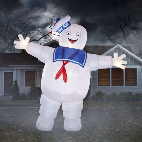 yard inflatables shop gemmy 12 ft x 13 ft lighted stay puft marshmallow