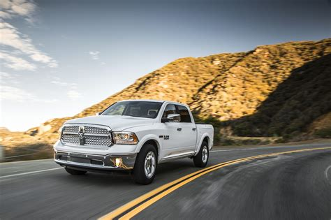 2014 ram 1500 diesel mpg news 2014 ram 1500 ecodiesel reaches 28 mpg highway the