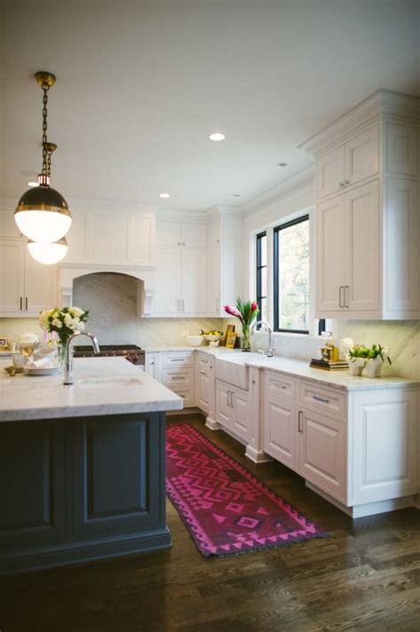 Kitchens With Rugs by 17 Best Ideas About Kitchen Runner On Kitchen